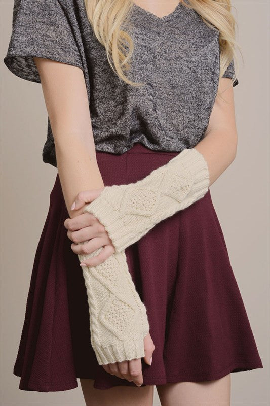 Ivory Diamond Knit Hand Warmers - BOMSHELL BOUTIQUE