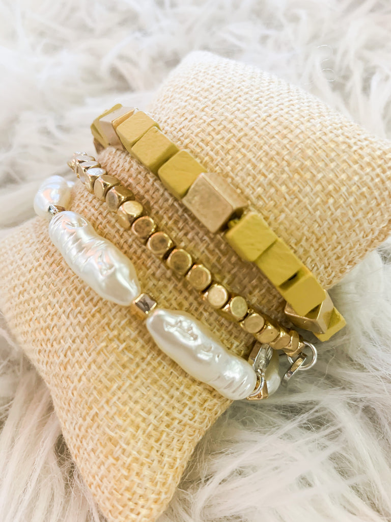 Golden Shell Bracelets - BOMSHELL BOUTIQUE