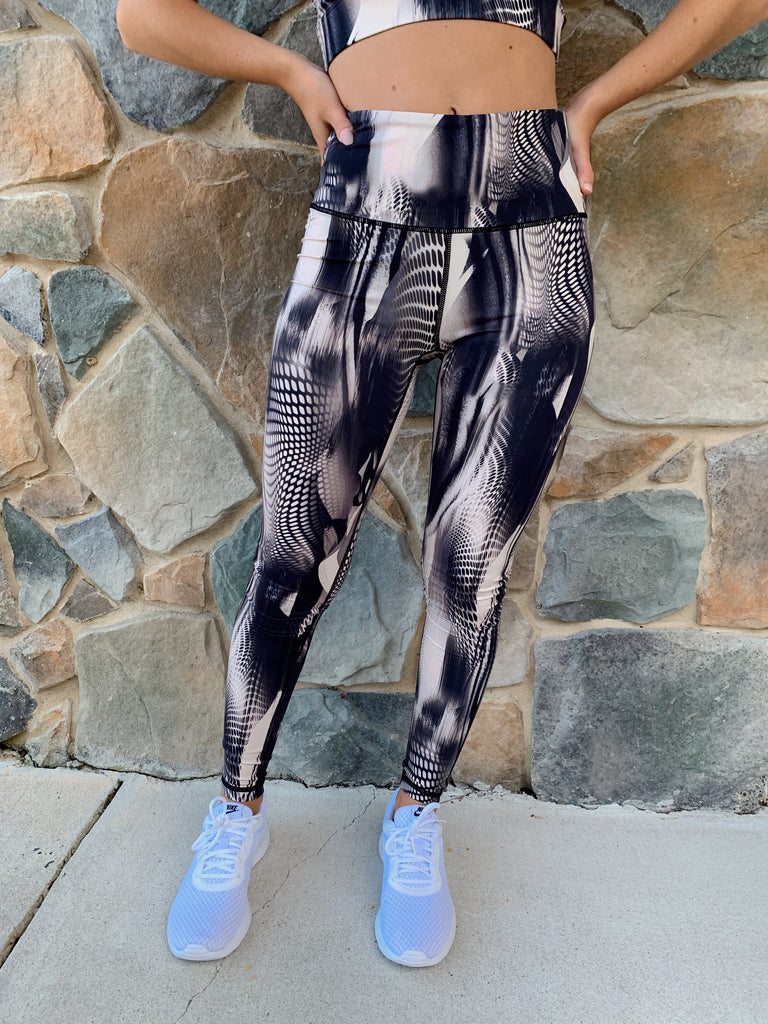 Spacey Highwaisted Leggings - BOMSHELL BOUTIQUE