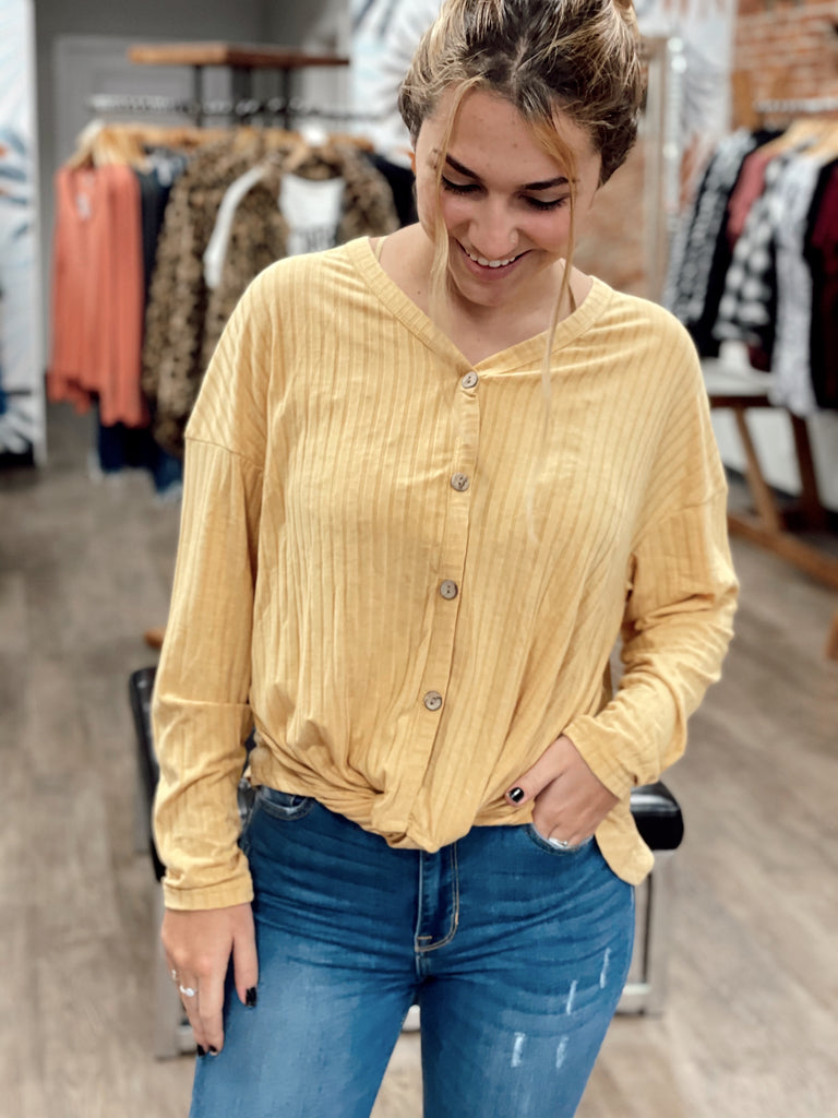 Brynlee Button Top - BOMSHELL BOUTIQUE
