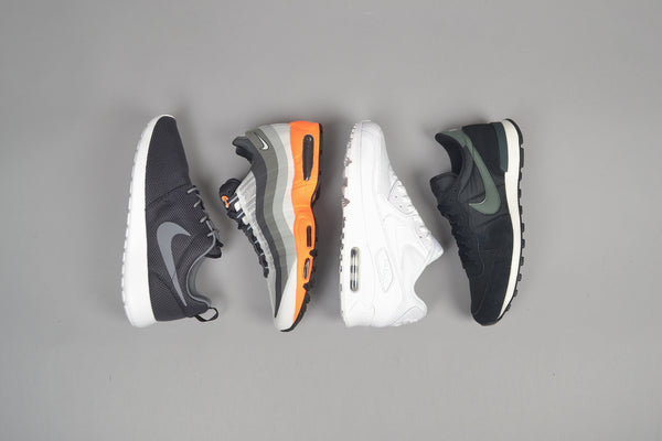 nike air max 90 essential white 95 no sew light base grey summit white roshe black cool grey internationalist black dark mica green