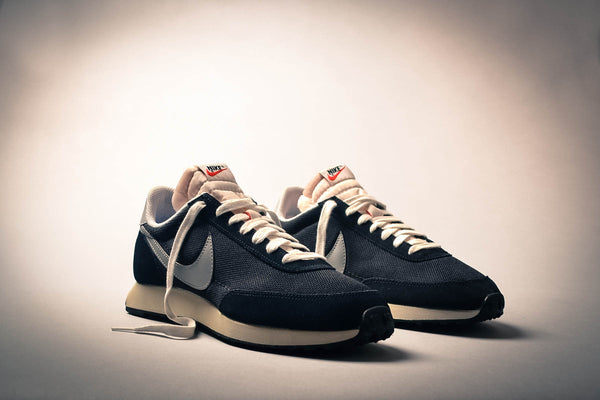 nike air tailwind black grey