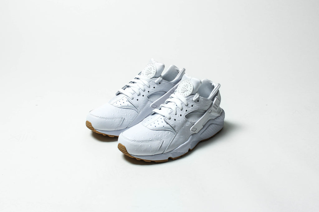 "b0c158e69698 The Nike Sportswear ""Ostrich Gum"" Pack includes the Nike Air Huarache"