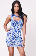 Load image into Gallery viewer, FLORAL PRINT CUTOUT DRESS