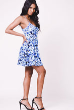 Load image into Gallery viewer, SPAGHETTI STRAPS PRINT FLARED DRESS