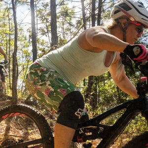 the MTB CURVY SHORT : the SUCCI