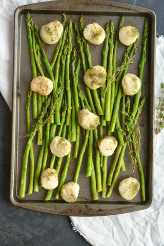 Herb Baked Scallops & Asparagus