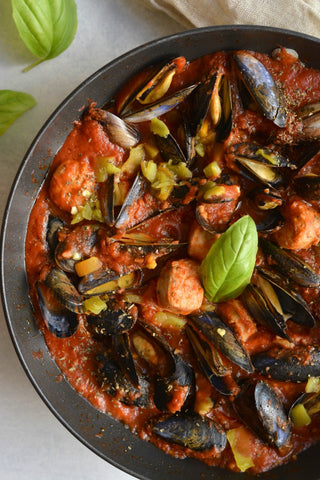 Mussels and sausage in italian tomato sauce