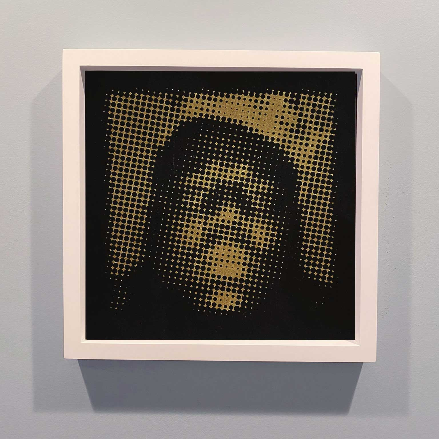 Notorious / Halftone 14x14 / Gold