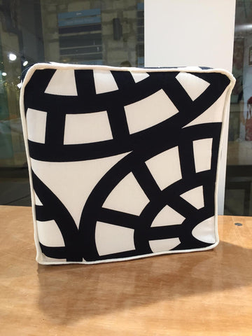 Make a Piped Box Cushion (John Lewis, London)