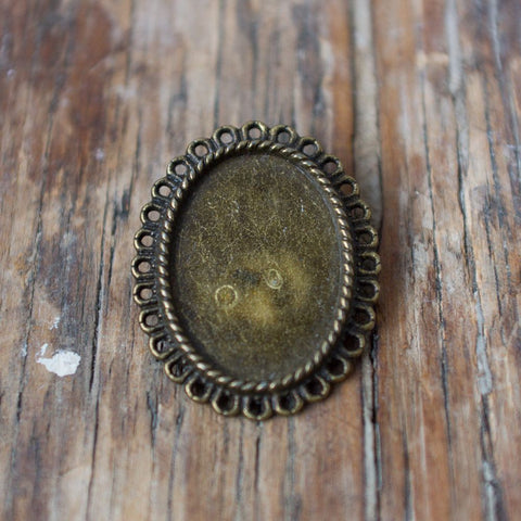 Pendant Finding: Oval Flat-Backed Frame
