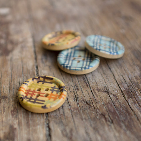 Button: Wooden Chequered