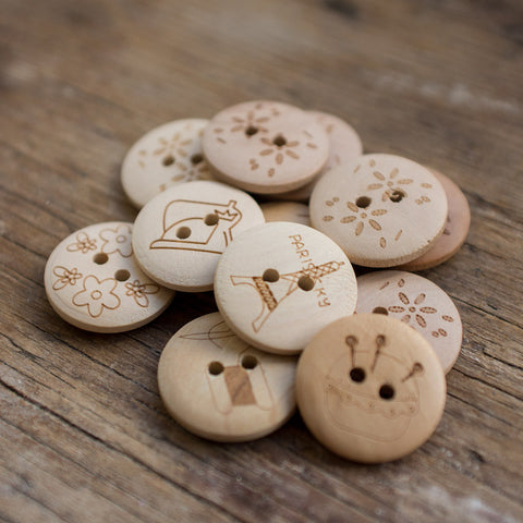 Button: Printed Wooden (Various styles)