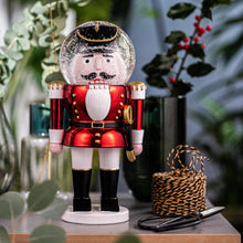 Laden Sie das Bild in den Galerie-Viewer, Summerglobe The Giant Shiny Nutcracker