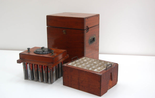Mid Victorian Wet Cell Electrotherapy Machine by John Weiss & Son London