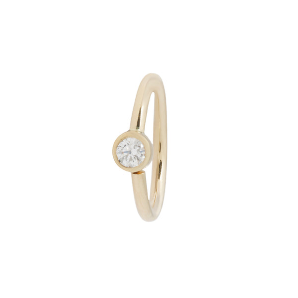 Simple gold ring with CZ