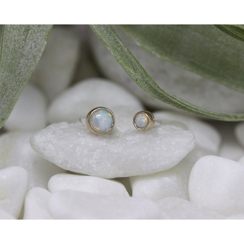 Anatometal Threadless Bezel Cabochon White Opal Rose Gold