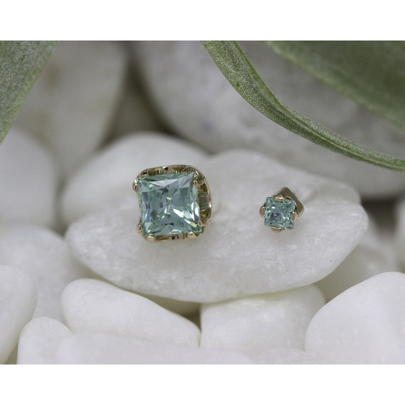 Anatometal Threadless Prong Princess Cut Gem Pistachio CZ