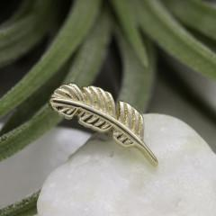 Yellow gold feather curved to the left