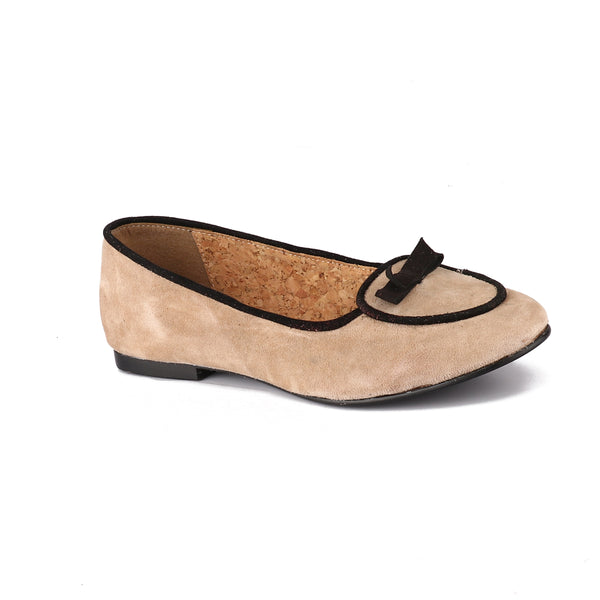 Two-Tone Beige Outline Point-Toe Flats