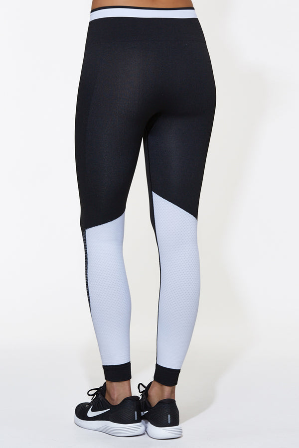 Ace Seamless Tight