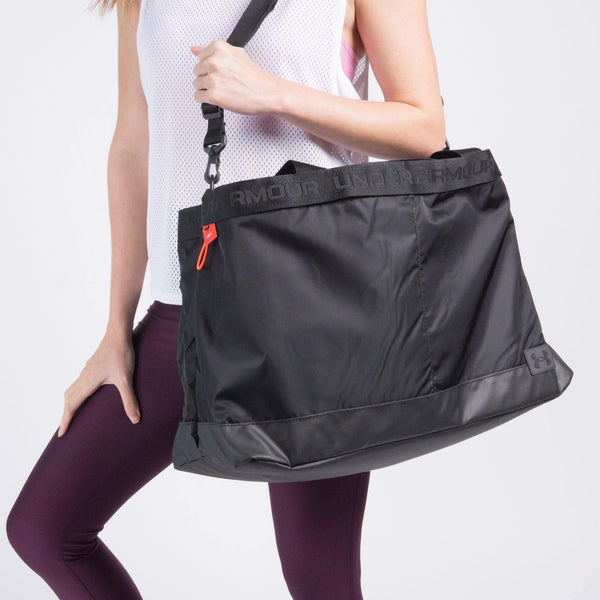 ESSENTIALS SIGNATURE TOTE BAG