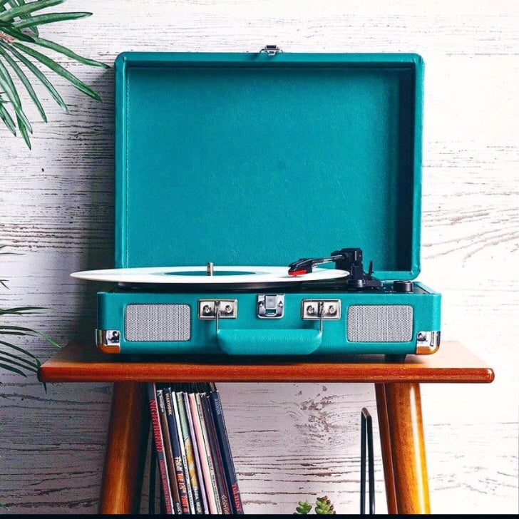 stereo, old school record player, blue
