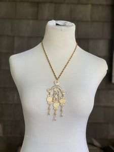 Vendome White Necklace