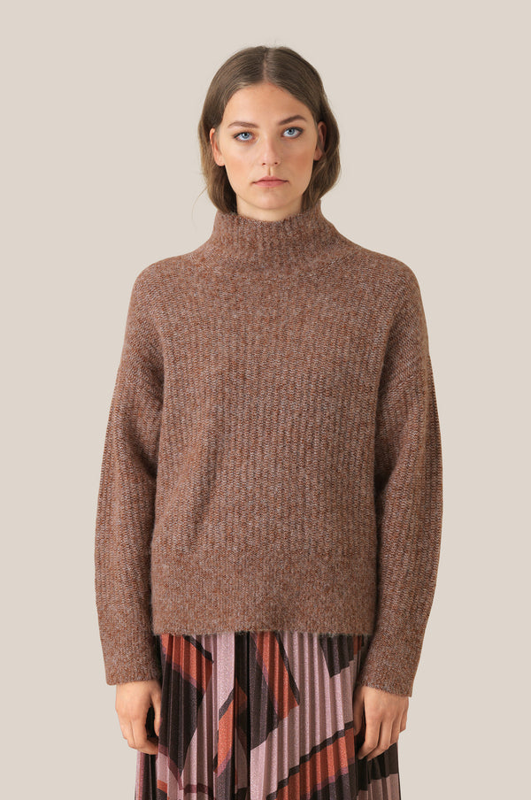 Maville Knit T-Neck