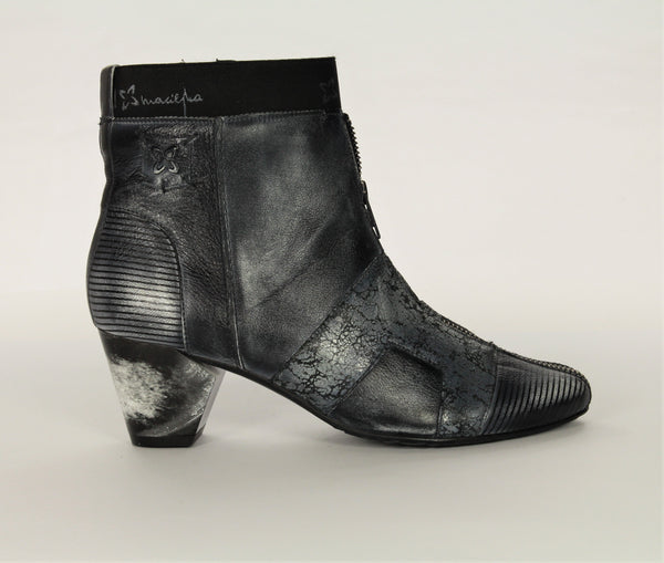 Maciejka Navy Zip Detail Ankle Boot - LilloBellaBoutique.com