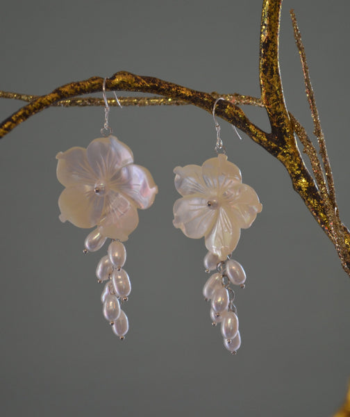 Pearl Garden Earrings - LilloBellaBoutique.com