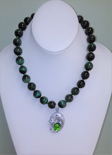 Guarded Treasure Statement Necklace - Green