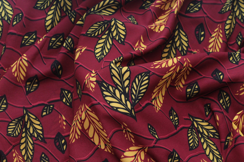 RED FALL LEAF PRINT IN CREPE
