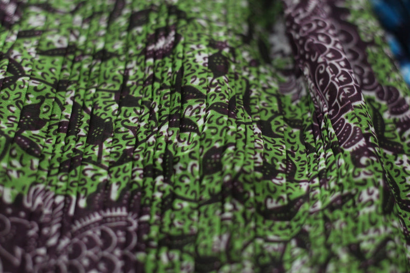 PLEATED GREEN DRAGON VINE PRINT IN CHIFFON