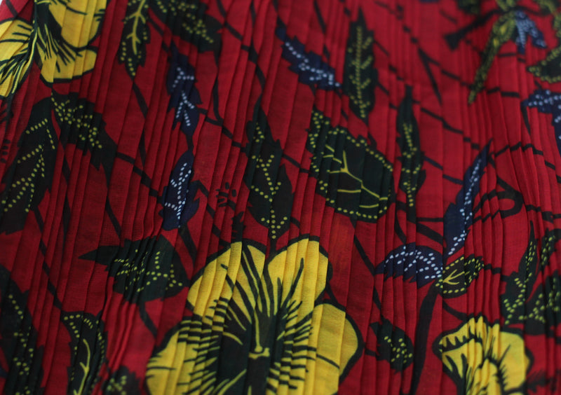 PLEATED RED CLASSIC HIBISCUS PRINT IN CHIFFON