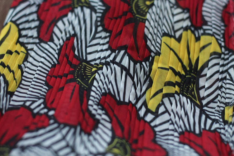 PLEATED WHITE HIBISCUS PRINT IN CHIFFON