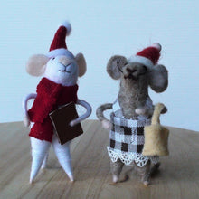 Load image into Gallery viewer, Ma & Pa Mice Standing Ornament