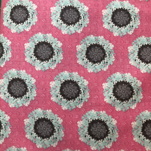 Paper Daisies Fabric - Pink