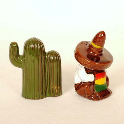 Vintage S & P Shakers Sleeping Mexican & Cactus M114