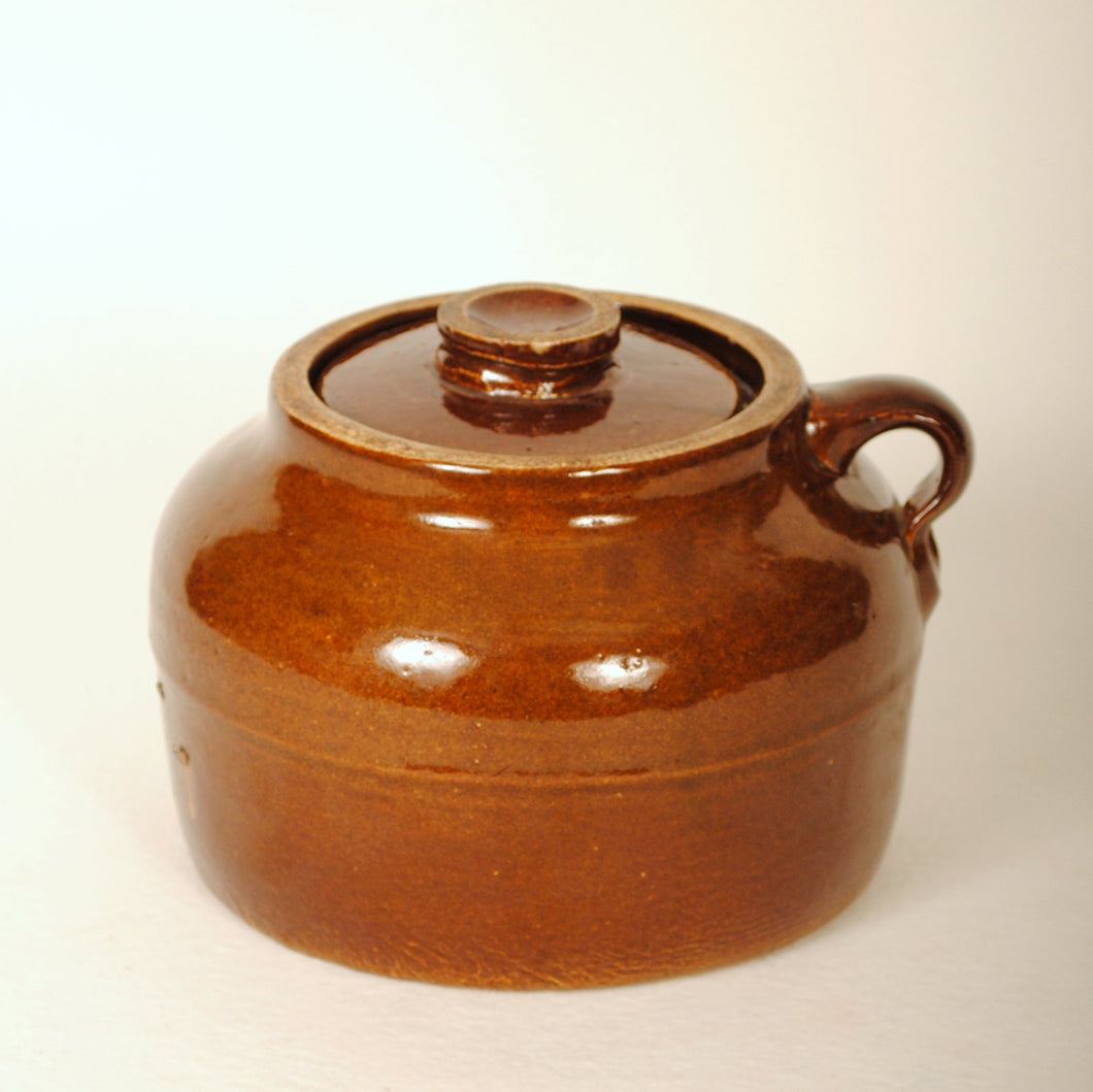 Bauer Pottery Plainware 2 Qt Bean Pot w/Lid R116