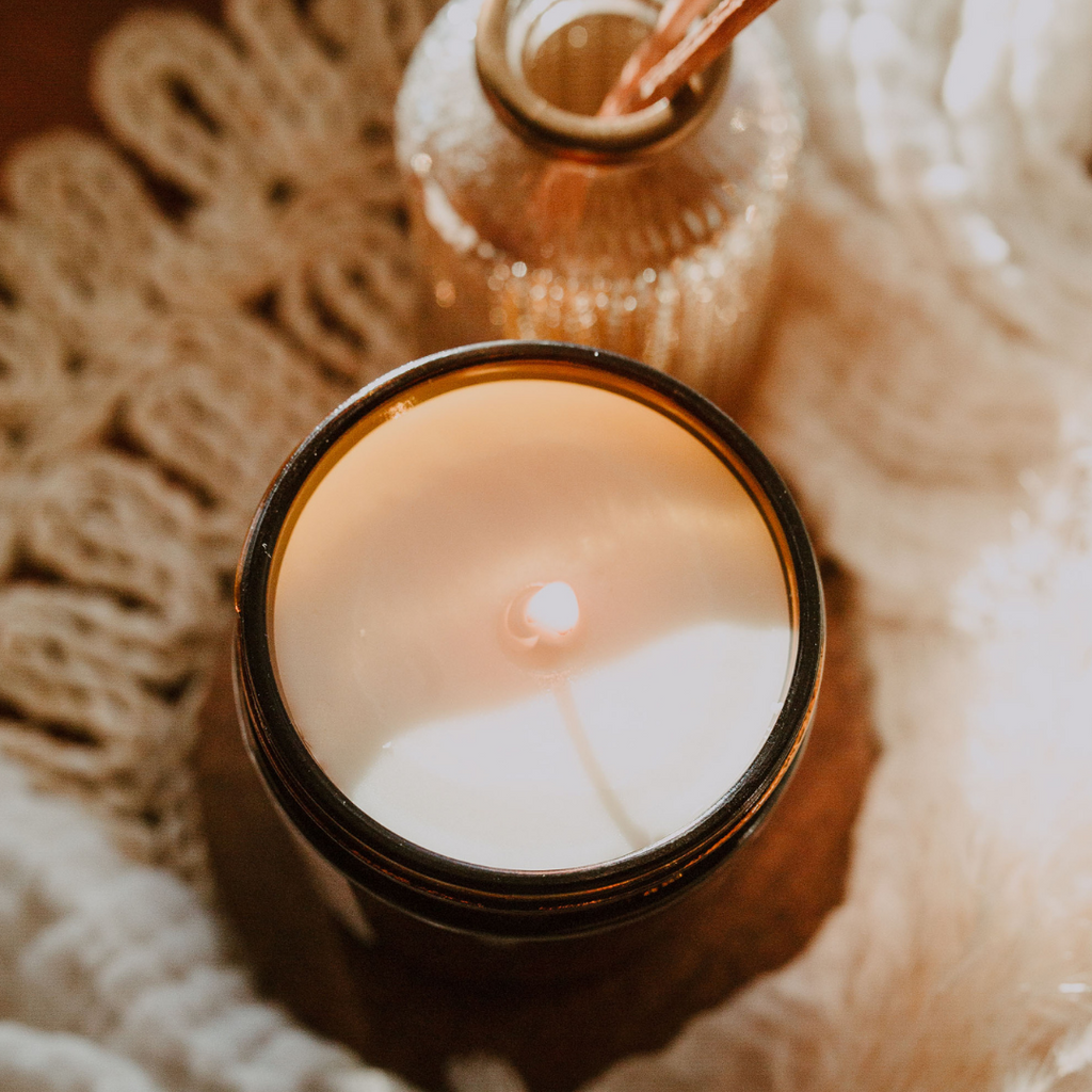 Petite Amber Candle - Signature Scents