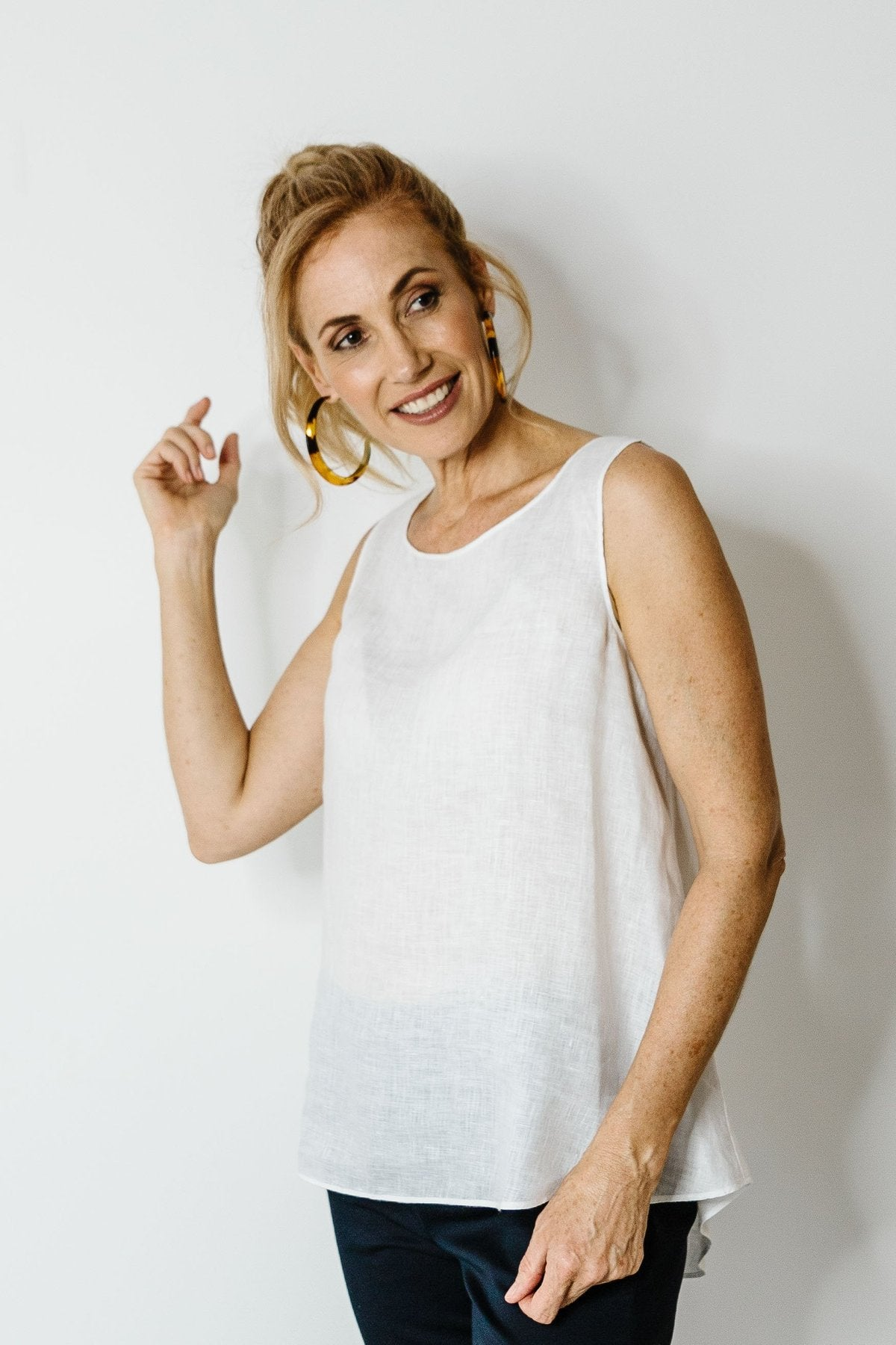 GC Linen Sleeveless | White