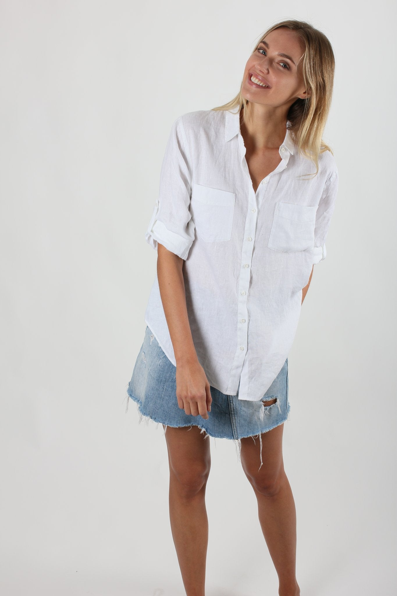 Buttersoft wash linen with collar, two chest pockets, oversized fit. Tab sleeves with back darts.