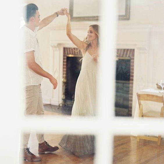 10 Cheap Valentines Date Ideas: At Home Dance Lessons