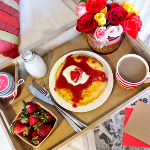 10 Cheap Valentines Date Ideas: Breakfast In Bed