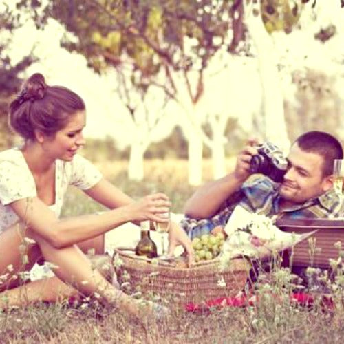 10 Cheap Valentines Date Ideas: Picnic