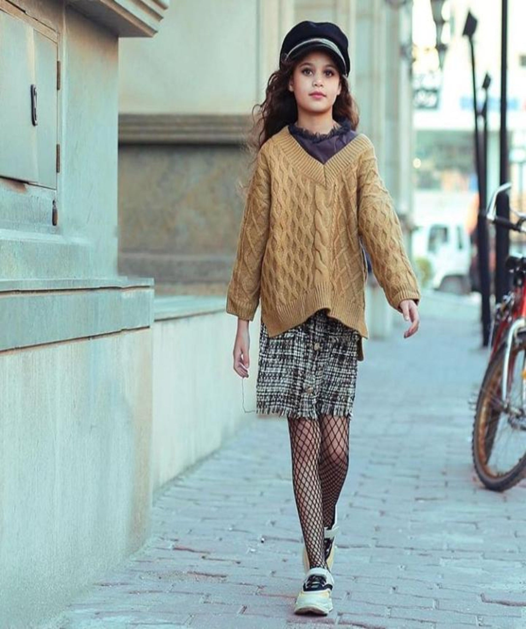 GIRL SWEATER بلوزة بناتي
