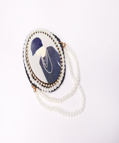 GIRL BROOCH بروش