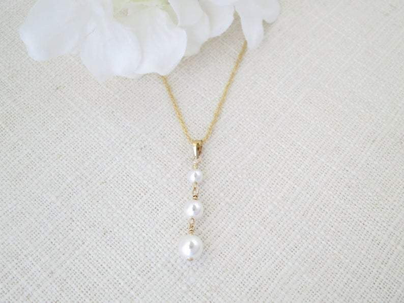SAMANTHA:  Graduated Pearl Pendant Necklace - BlingBaddaBoom - Minimalist, Vintage, Modern Wedding and Bridal Jewelry
