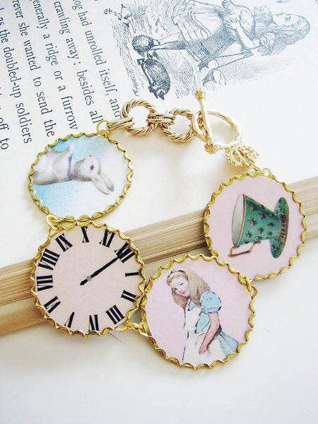 Alice in Wonderland 14K gold-plated bracelet with crown toggle